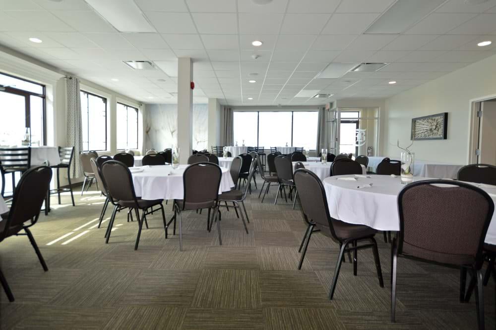 Salle de réception avec cuisine (Mont-Joli)