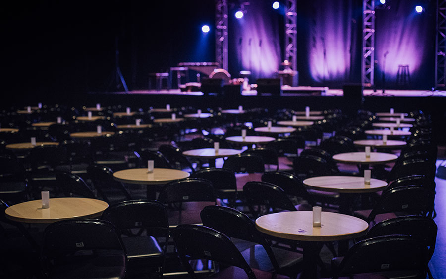 Conception de tables pour les salles de spectacle