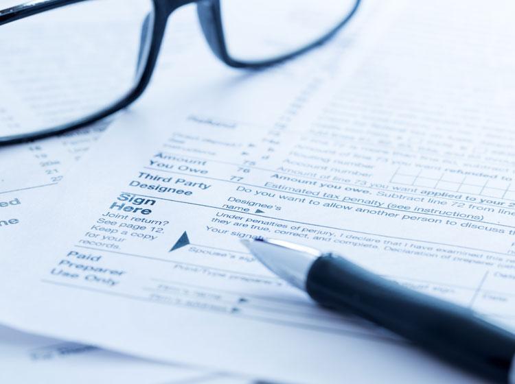 Nous remplissons les formulaires requis lors d'un décès